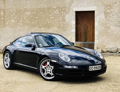 Porsche 911 Carrera Type 997 à Mérignac (Gironde)