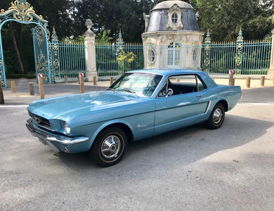 Ford Mustang (1ère Gen) à Puteaux (Hauts-de-Seine)