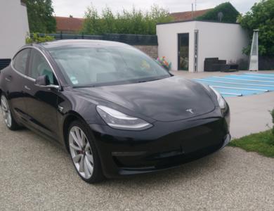 Tesla Model 3 à Bernolsheim (Bas-Rhin)