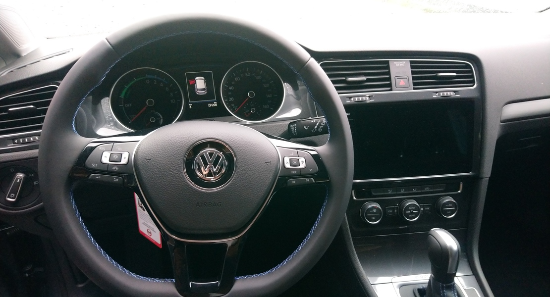 location-VOLKSWAGEN (VW)-Wiwersheim-roadstr