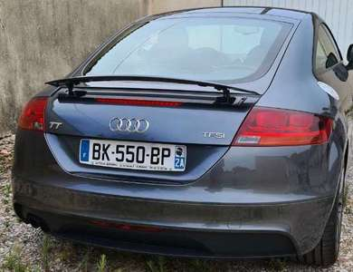 Audi Tt à Lambesc (Bouches-du-Rhône)