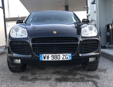 Porsche Cayenne à Cessy (Ain)
