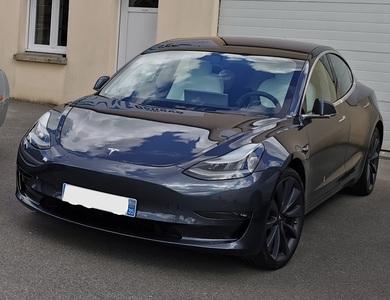 Tesla Model 3 Performance à Taillis (Ille-et-Vilaine)