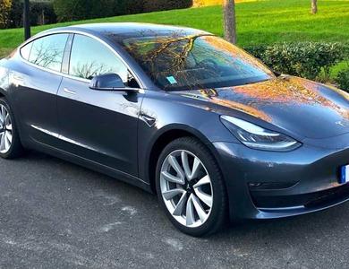 Tesla Model 3 Long Range à Paris (16ème arr.)