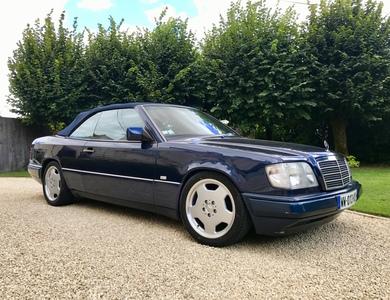 Mercedes-benz W124 Cabriolet E200 à Poitiers (Vienne)