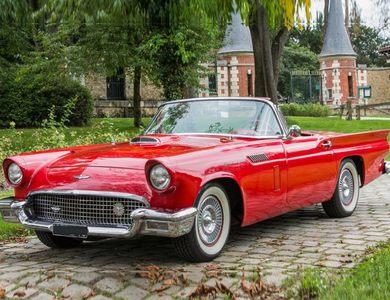 Ford Thunderbird Rouge à Nanterre (Hauts-de-Seine)