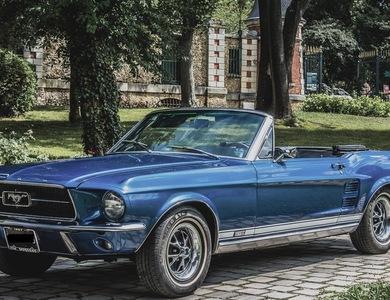 Ford Mustang Cabriolet V8 (1ère Gen) à Nanterre (Hauts-de-Seine)