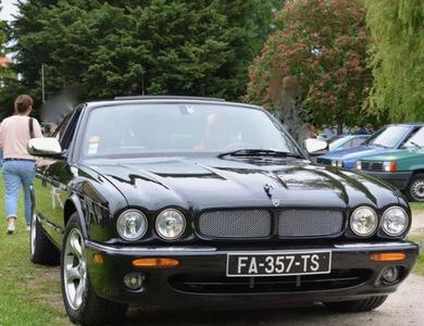 Jaguar Xj8 X308 à Rungis (Val-de-Marne)
