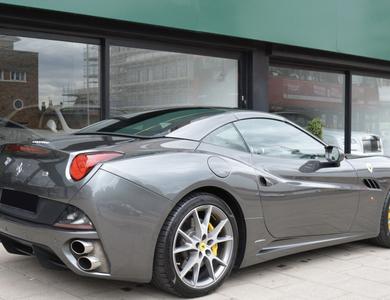 Ferrari California à Rennes (Ille-et-Vilaine)