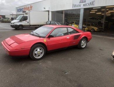 Ferrari Mondial 3.2 à Levallois-Perret (Hauts-de-Seine)