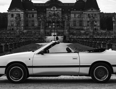 Chrysler Lebaron à Paris (11ème arr.)