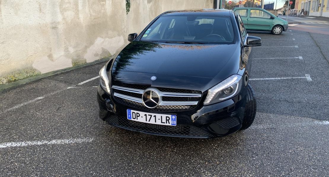 location-MERCEDES-BENZ-Lyon-roadstr