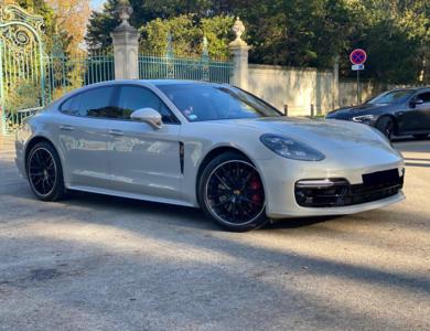 Porsche Panamera Turbo à Paris (17ème arr.)