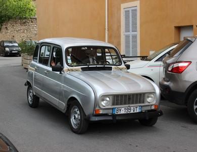 Renault 4l à Villelaure (Vaucluse)