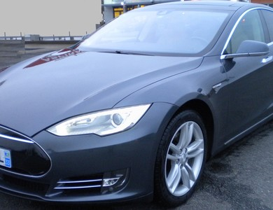Tesla 85 S à Montilly (Allier)
