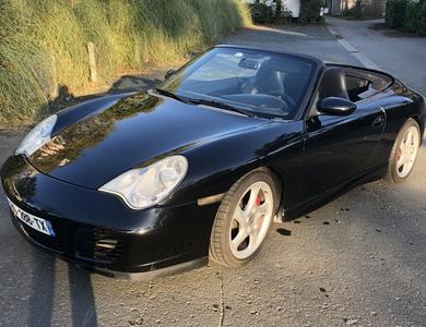 Porsche 911 Type 996 Cabriolet à Clohars-Fouesnant (Finistère)
