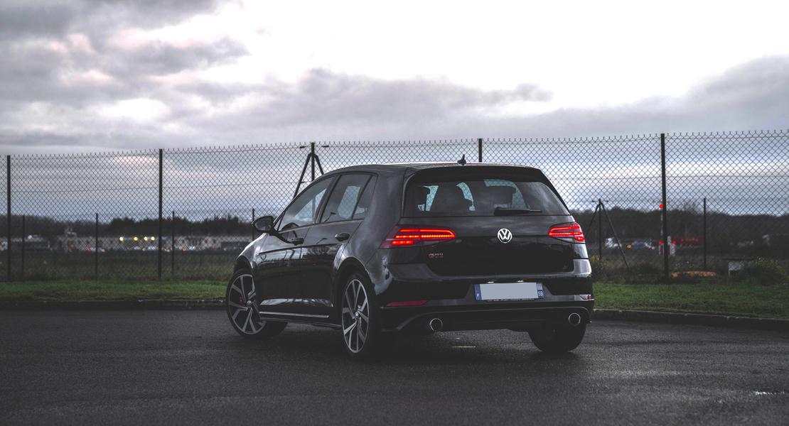 location-VOLKSWAGEN (VW)-Cergy-roadstr