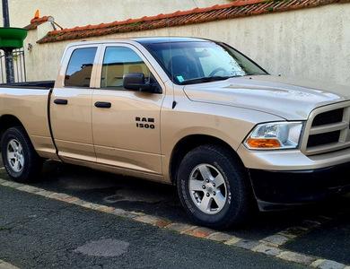 Dodge Ram 1500 à Saulx-les-Chartreux (Essonne)