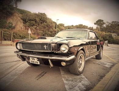 Ford Mustang Gt 1ère Génération V8 à La Garde (Var)