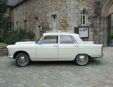 Peugeot 404 Berline à Saint-Malo (Ille-et-Vilaine)