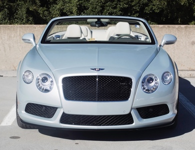 Bentley Continental Gtc V8 S à Cannes (Alpes-Maritimes)