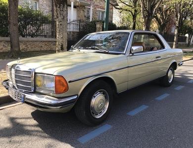 Mercedes-benz 230 Ce à Vaires-sur-Marne (Seine-et-Marne)