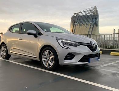 Renault Clio 5 à Paris (15ème arr.)