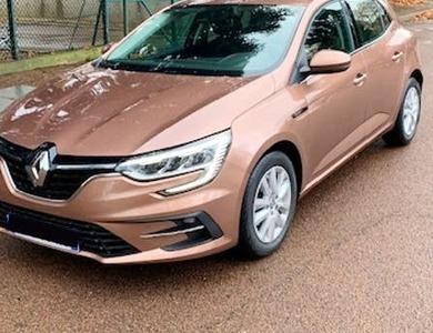 Renault Megane à Paris (15ème arr.)