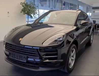 Porsche Macan à Lille (Nord)