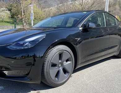 Tesla Model 3 à Gaillard (Haute-Savoie)