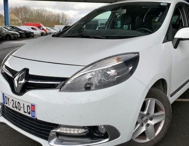 Renault Scenic 3 à Les Clayes-sous-Bois (Yvelines)
