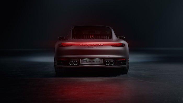 Porsche 992 bandeau lumineux arrière
