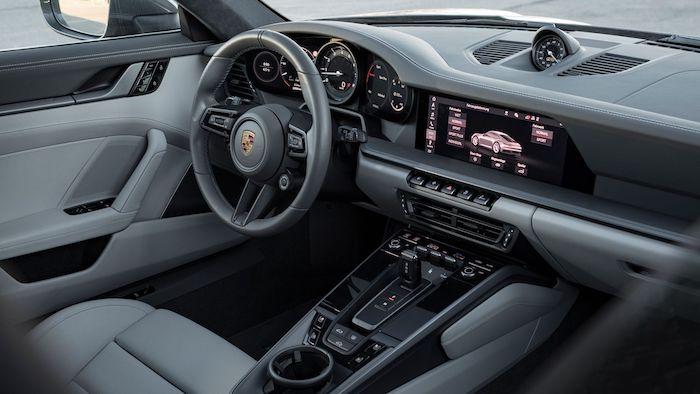 Porsche 992 tableau de bord et intérieur