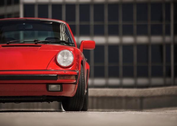 Porsche 911 Type G rouge de face