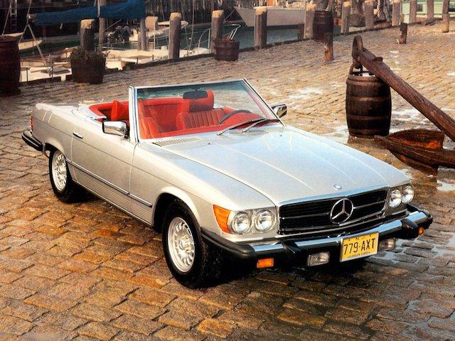 Mercedes 380 SL r107 couleur champagne intérieur rouge